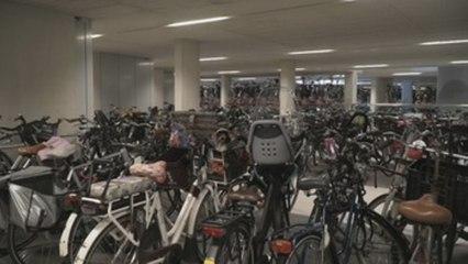 Holanda estrena el mayor parking mundial de bicis