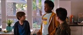 Good Boys Film Extrait - J'ai déjà fait l'amour plein de fois, mais j'ai jamais embrassé avec la langue!