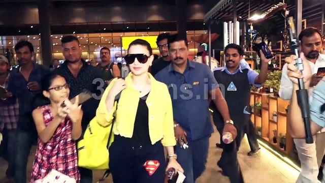Bollywood Actress Amisha Patel Stuck Between at Airport