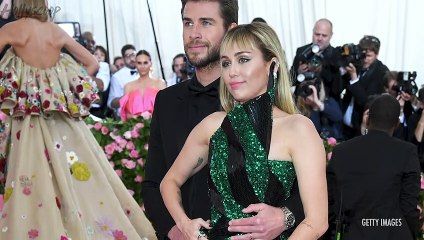 Liam Hemsworth BREAKS IG Silence Post Miley Cyrus Breakup! Justin & Hailey Bieber Set Wedding DATE!