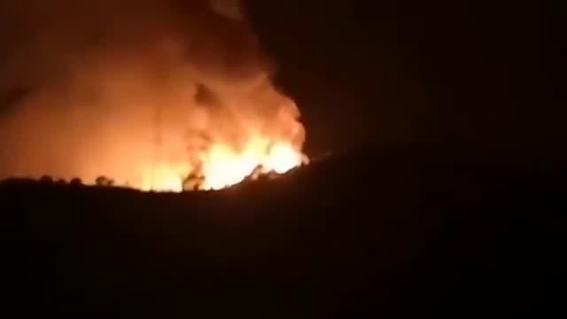 Las llamas obligan a evacuar a cientos de personas en Estepona (Málaga)