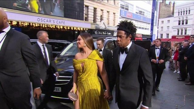 Colin Kaepernick no dejará de protestar a pesar del acuerdo de Jay-Z con la NFL