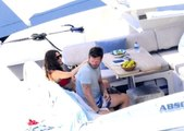 Kıvanç Tatlıtuğ ve Başak Dizer, lüks teknelerinde tatil yapıyor