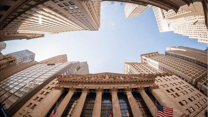 Wall Street Treads Water After Three-Day Winning Streak