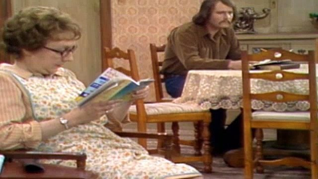 All In The Family Season 3 Episode 24 The Battle Of The Month