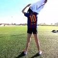 Elle imite Messi, Pogba et Neymar sur les penalties