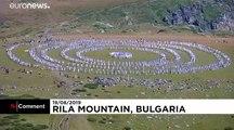 """Danses, """"paneurythmie"""" et énergie cosmique en Bulgarie"""