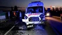 Kütahya'da ambulans ile iki otomobil çarpıştı: 2 ölü, 5 yaralı
