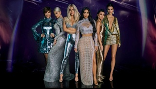Keeping Up with the Kardashians Season 17 Episode 1 : Full TV Series