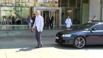 El Rey y la Reina llegan al hospital donde operan a Juan Carlos I