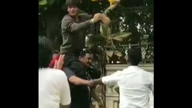 Shah Rukh Khan celebrates Dahi Handi