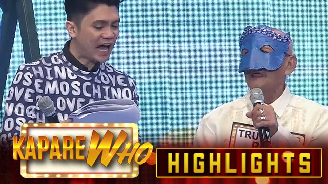 Vhong assists Senior KalaWhok Truck And Roll with his introduction | It's Showtime KapareWHO
