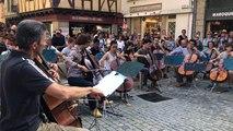Les violoncelles s'invitent dans les rues de Vannes