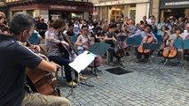 Le tube de Gloria Gaynor repris par des violoncellistes de talent