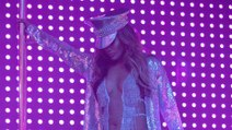 Jennifer Lopez - strip scene Hustlers -
