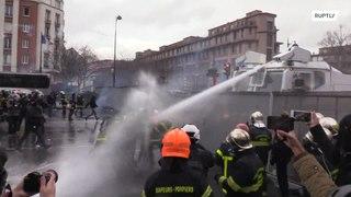 فرنسا: اشتباكات عنيفة بين الشرطة الفرنسية ورجال الإطفاء