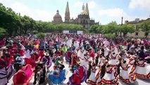 Mexique: record du monde de la plus grande danse folklorique