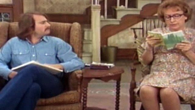 All In The Family Season 4 Episode 11 Black Is The Color Of My True Love's Wig