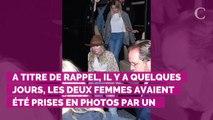 PHOTOS. Miley Cyrus et Kaitlynn Carter arrivent main dans la main aux MTV Video Awards