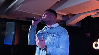 Xavier White - Questions (Live at Dailymotion Elevate)
