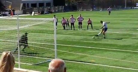 Un gardien arrête un joli penalty jusqu'à que Kevin intervienne