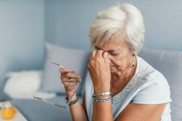 Necesitar dormir mucho la siesta podría estar relacionado con el Alzheimer