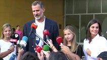 Los reyes con sus hijas visitan al rey emérito en el hospital