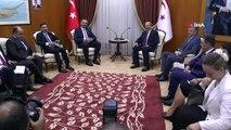 """- Adalet Bakanı Gül, Başbakan Tatar İle Görüştü- Adalet Bakanı Abdulhamit Gül:- """"kktc Hükümetinin Almış Olduğu Karar Çok Yerindedir, Bizler De Destekliyoruz'- KKTC Başbakanı Ersin Tatar:- """"Kıbrıs'ta İki Eşit Halk Vardır. Hukuk ..."""