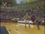 NBA BASKETBALL - Vince carter dunks on mutombo