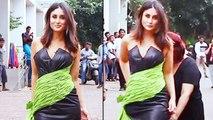 Kareena Kapoor Gets Uncomfortable In Her Awkward Black Dress