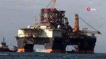 Futbol sahası boyutundaki petrol arama platformu İstanbul'dan geçti