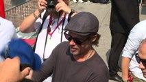 Venezia 76, delirio per l'arrivo di Brad Pitt e Liv Tyler