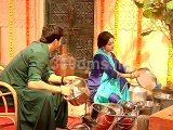 Patiala Babes | Hanuman Helping to Babita in Household works | पटियाला बेब्स
