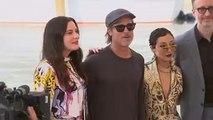 Arrivée nautique pour Brad Pitt à la Mostra de Venise