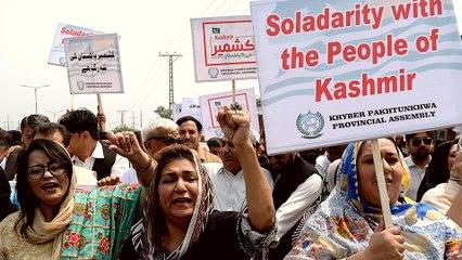 Pakistan 'Kashmir hour': PM calls for solidarity movement
