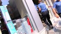 DHA muhabiri darp edildi; kelepçe takılarak polis aracında bekletildi