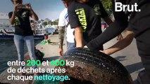 Des plongeurs mexicains nettoient les plages à Acapulco