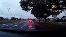Pedestrians avoid the worst at a pedestrian crossing ... Lucky