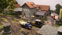Chemin de fer en miniature en voie étroite avec des locomotives à vapeur et des locomotives diesel - Une vidéo de Pilentum Télévision - Modélisme ferroviaire, trains miniatures, maquettisme et chemin de fer
