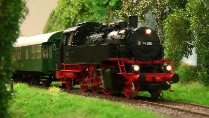 Réseau modulaire avec des locomotives à vapeur et locomotives diesel allemandes - Une vidéo de Pilentum Télévision - Modélisme ferroviaire, trains miniatures, maquettisme et chemin de fer