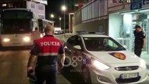 RTV Ora - Tifozi shkodran hyn në fushë gjatë ndeshjes Vllaznia Tirana