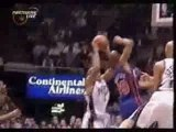 NBA BASKETBALL - Vince carter on mutombo