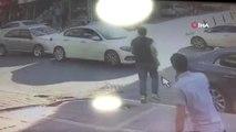 Esenyurt'ta yolun karşısına geçen yaşlı kadına otomobil böyle çarptı