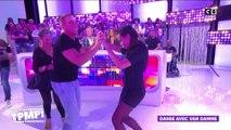 Jean-Claude Van Damme danse avec les chroniqueurs