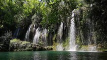 cachoeira muito linda da natureza