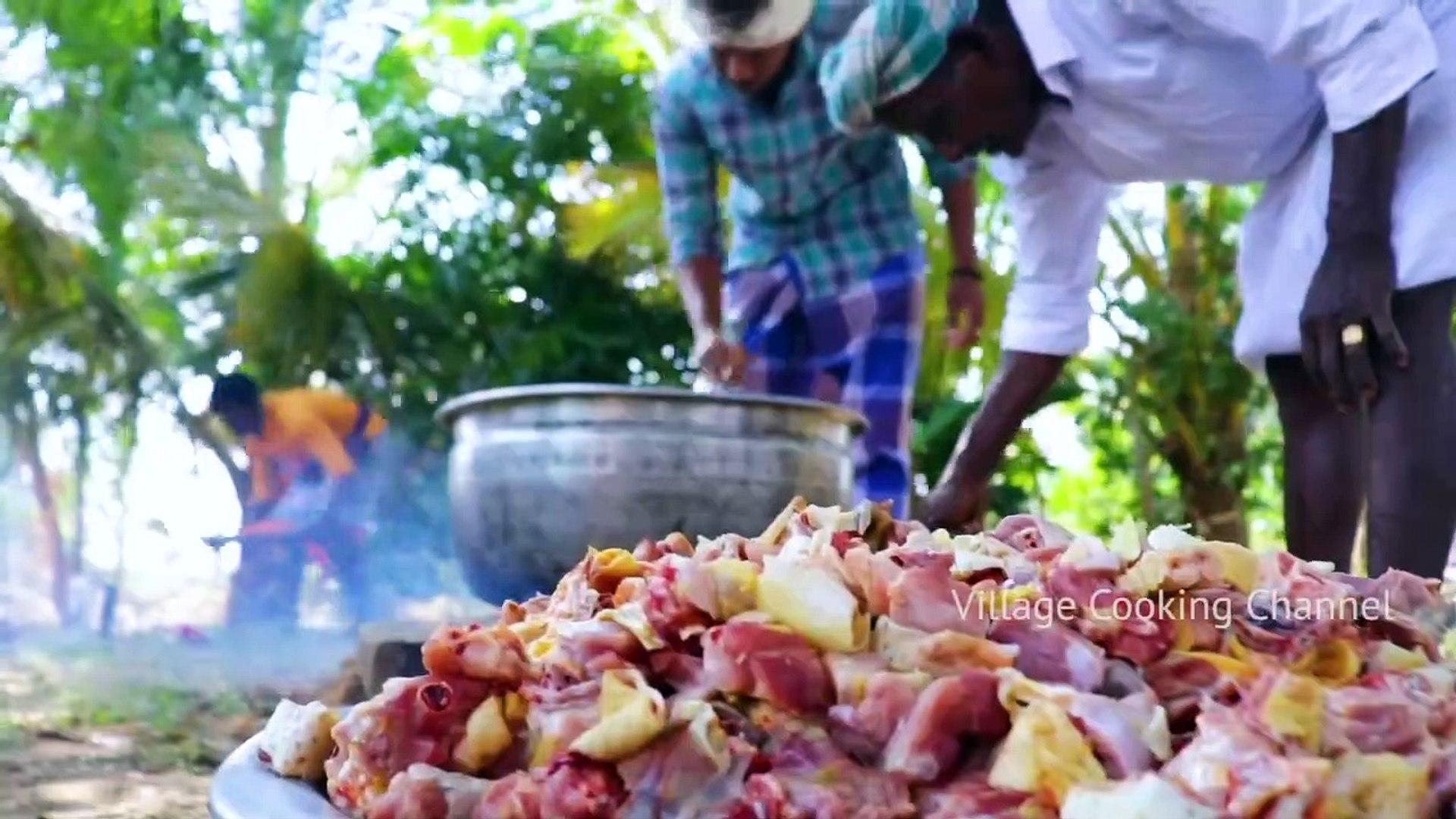 Country Chicken Gravy - Nattu Kozhi Kulambu - Cooking Traditional Village Country Chicken Recipe - C