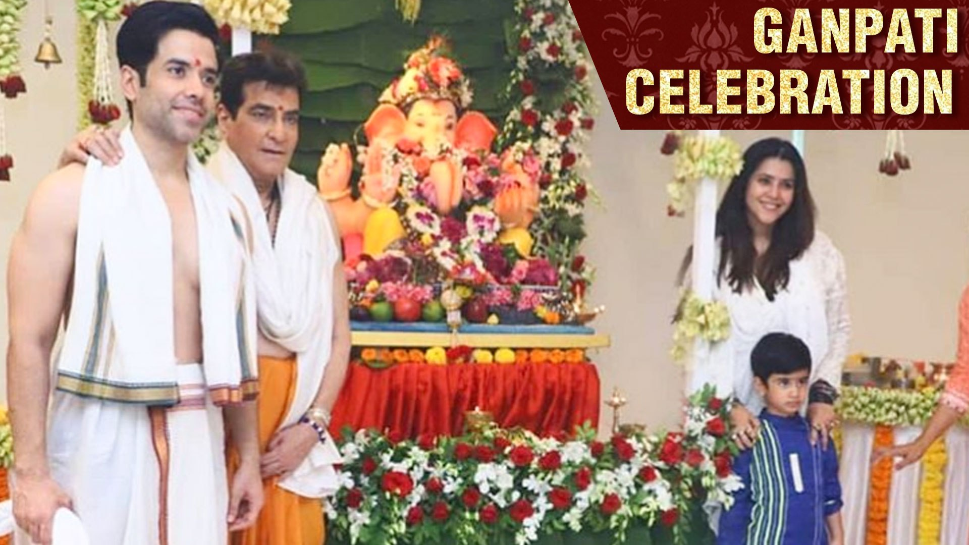 Tusshar Kapoor And Jitendra Seek BLESSINGS From LORD Ganesha | Ganesh Chaturthi Aarti 2019
