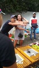 Une touriste militante vegan mord un vendeur de poulet au Maroc
