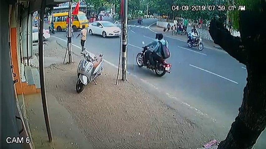 Watch Video : Two Wheeler theft near Tiruppur