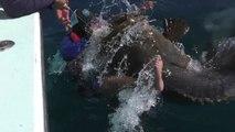 Un célèbre pêcheur effrayé par un énorme poisson